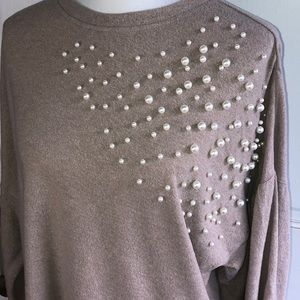 ANTHRO EASEL SWEATER WITH PEARLS SIZE M